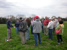 Tour guide Rob Orrison leads attendees in a tour of Mathews Hill during the battle of First Manassas. (Image Courtesy Dan Welch)